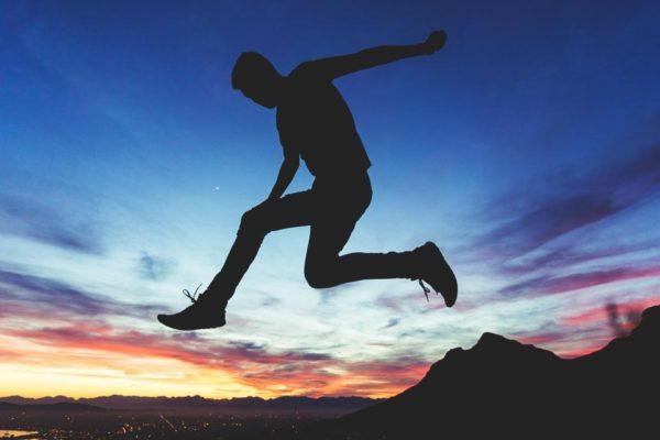 人生を変えるために絶対必要なのは「人生を変えようと行動し続けること」!